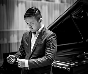 Edward-Leung-piano-profile