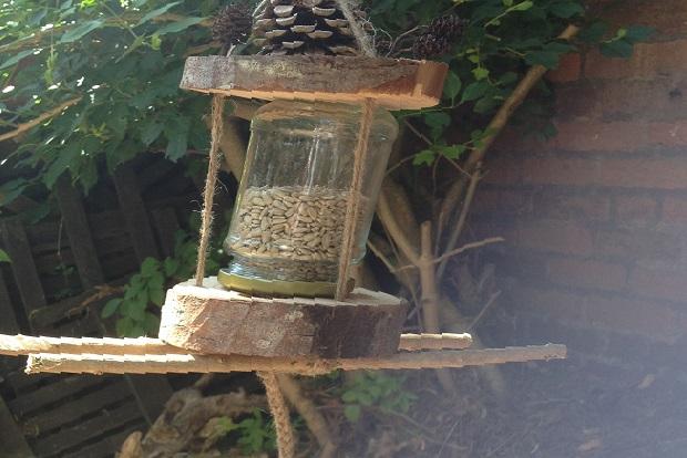 Environmental Trust - Make your own birdfeeder