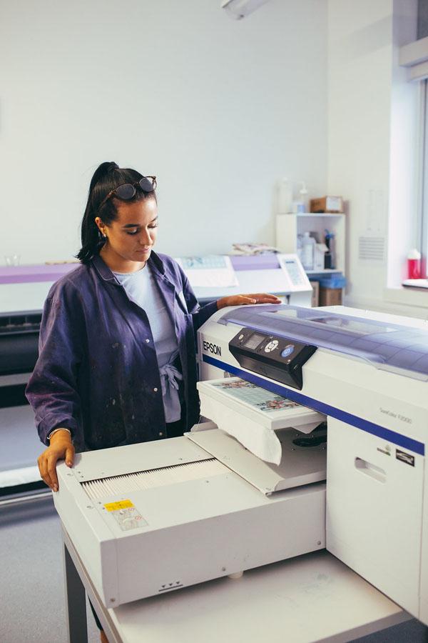 Textiles Epson F2000 1
