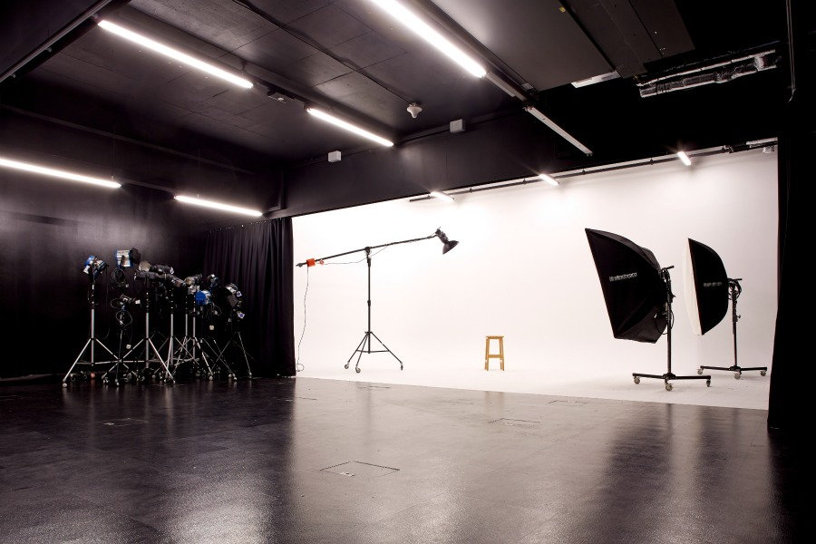 ADM VisCom Photography Studio 2