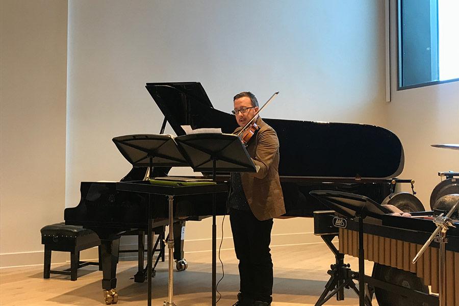 Andrew-Hamilton-performing