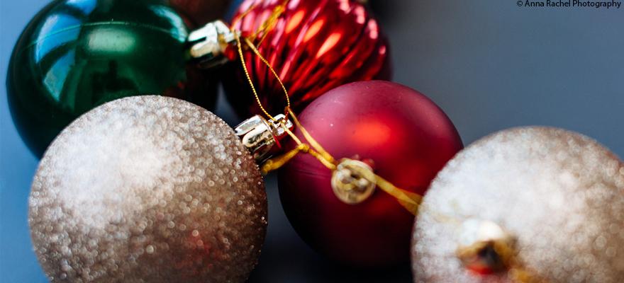 Christmas baubels article primary