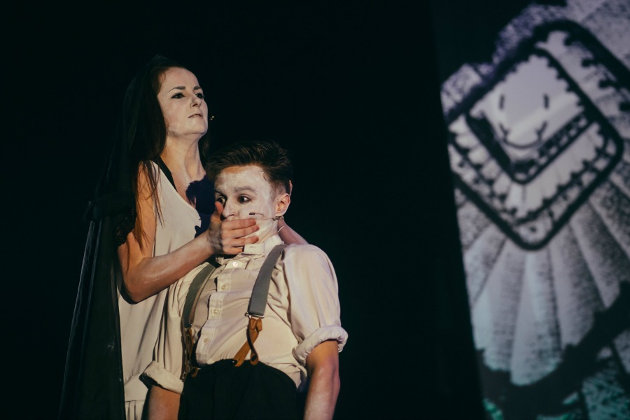 Dr Caligari image 7