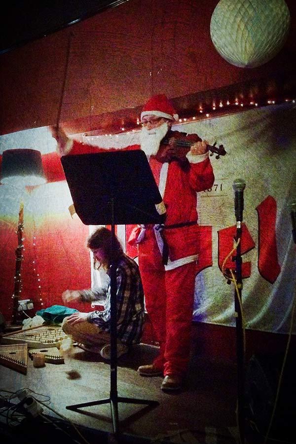 Composition - Performing Santa
