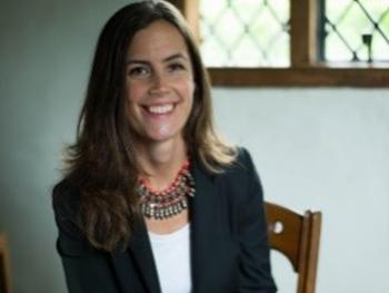 Headshot of Dr Anna Keay
