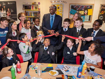 Sir Lenny launches IntoUniversity centre