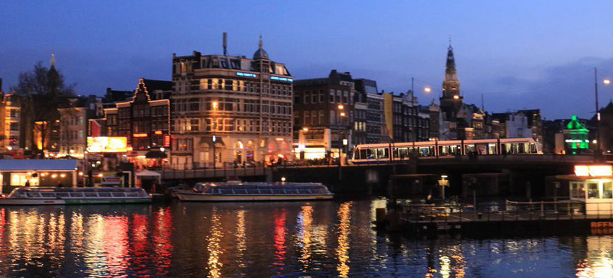 Amsterdam night - blog in text