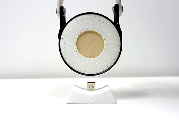 Yun Cai- Portable USB Speaker
